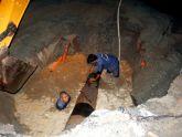 Ống nước vỡ tạo ra 'hố tử thần' rộng 100 m2